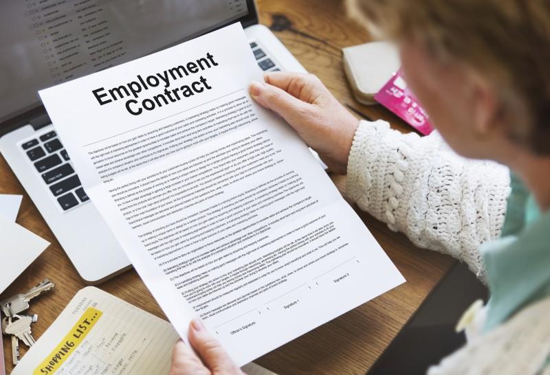 Employment Contract Lawyers London, Employee Handbook Advice UK